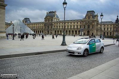 Electric Car at Louvre